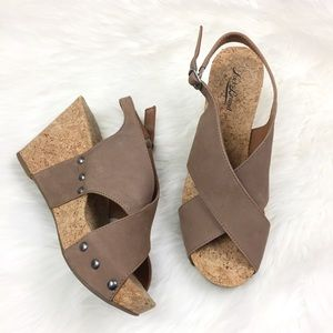 LUCKY BAND Leather Cross Sandals Cork Wedges